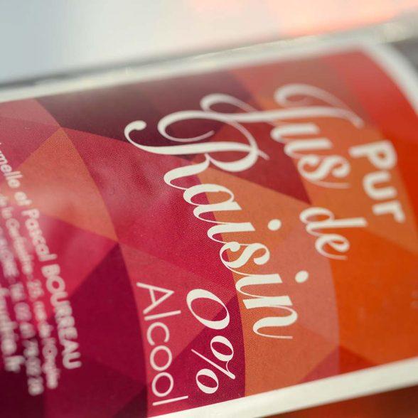 Etiquette de jus de raisin