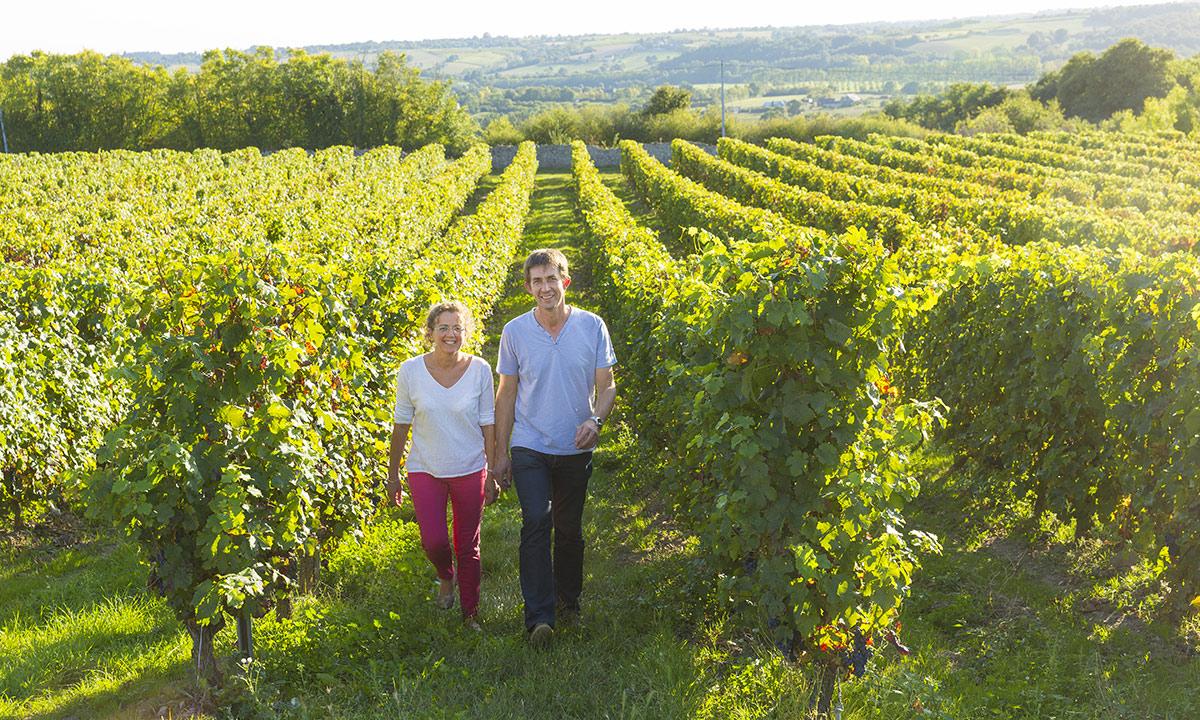 Pascal et Armelle, viticulteurs dans leurs vignes